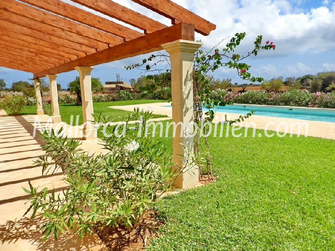 NEW CONSTRUCTED FINCA IN EXPOSED SITUATION WITH SEA VIEW – SOUTH EAST